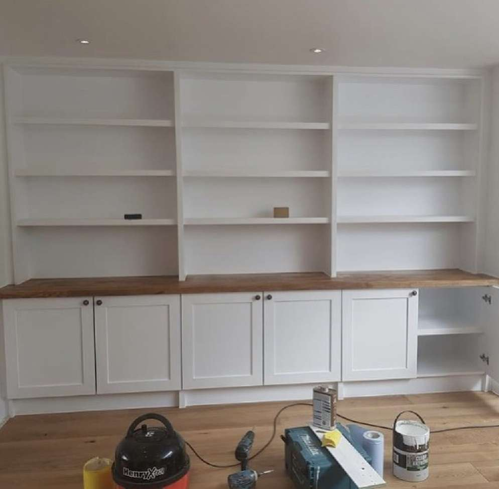 Right Renovations - bespoke shelving (after)